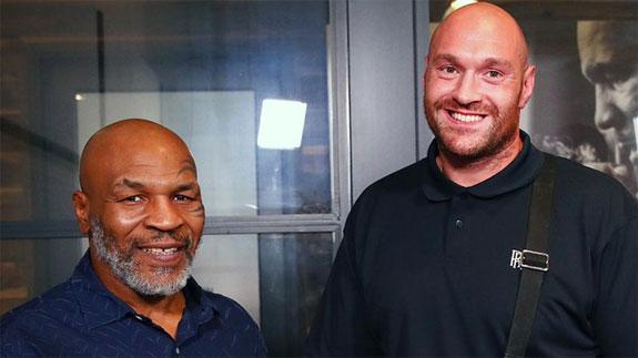 Zdjęcie. Mike Tyson i Tyson Fury